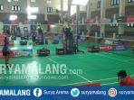 suasana-pertandingan-hari-ketiga-turnamen-daihatsu-astec-open-2017-di-gor-uin-malang_20170727_125000.jpg