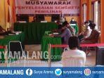 suasana-sidang-musyawarah-terbuka-penyelesaian-sengketa-pemilihan-di-bawaslu-kota-blitar.jpg