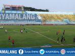suasana-stadion-kanjuruhan-sebelum-kick-off-arema-fc-kontra-psm-makassar_20180513_154031.jpg