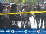 suasana-usai-ledakan-di-gereja-kristen-indonesia-di-jalan-diponegoro-surabaya_20180513_201657.jpg