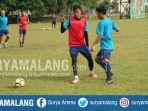syaiful-indra-cahya-saat-latihan-bersama-arema-fc_20180202_174841.jpg