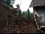 tanah-longsor-di-dusun-selogiri-desa-penjor-kecamatan-pagerwojo-tulungagung.jpg