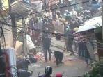 tawuran-di-pasar-manggis-setiabudi-jakarta-selatan-selasa-2072021-sore.jpg