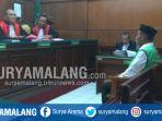 terdakwa-kepemilikan-sabu-priyanto-kanan-dalam-sidang-di-pn-surabaya_20181026_095519.jpg