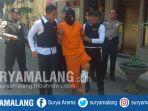 tersangka-kasus-pembunuhan-gadis-11-tahun-rosat-setelah-ditangkap-anggota-polres-mojokerto-kota_20180817_162829.jpg
