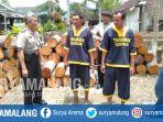 tersangka-pencurian-kayu-di-hutan-petak-108-desa-kedungsalam-donomulyo-malang_20181018_171720.jpg