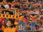 the-jakmania-serbu-stadion-kanjuruhan-jelang-laga-arema-fc-vs-persija-sekitar-3000-orang-on-the-way.jpg