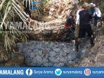 tim-bpbd-kota-batu-memasang-bronjong-desa-oro-oro-ombo_20181015_192329.jpg