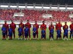 timnas-indonesia-saat-menjamu-myanmar-di-laga-uji-coba-di-stadion-pakansari-cibinong-kab-bogor_20170321_171435.jpg