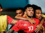 timnas-indonesia-u23-merayakan-gol-stefano-lilipaly-ke-gawang-hong-kong_20180821_154816.jpg