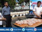 tpid-menggelar-operasi-pasar-telur-di-depan-tmp-di-jalan-pk-bangsa-kota-kediri_20180725_142351.jpg