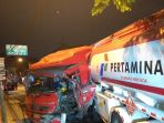 truk-pertamina-terguling_20180812_185320.jpg