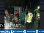 truk-terguling-tulungagung_20181003_094433.jpg