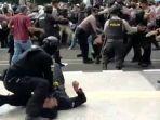 update-kondisi-mahasiswa-yang-dibanting-polisi-sampai-kejang-kejang-saat-demo-sempat-viral.jpg