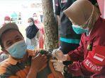 vaksinasi-covid-19-nelayan-trenggalek.jpg