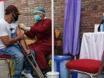 vaksinasi-covid-19-penyandang-disabilitas-kota-kediri.jpg