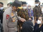 vaksinasi-di-uin-maulana-malik-ibrahim-kota-malang-sabtu-492021.jpg