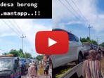 video-suasana-warga-desa-tuban-membeli-mobil-secara-massal.jpg