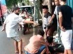 video-viral-penusukan-di-jalan-soekarno-lumajang-rabu-612021-sore.jpg