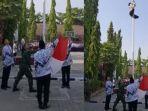 video-viral-siswa-memanjat-tiang-bendera-saat-peringatan-hari-guru-nasional-di-bojonegoro.jpg