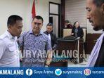 wali-kota-malang-nonaktif-m-anton-usai-sidang-putusan-di-pengadilan-tipikor-surabaya-sidoarjo_20180810_111218.jpg