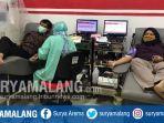 warga-donor-darah-di-kantor-utd-pmi-kota-malang.jpg