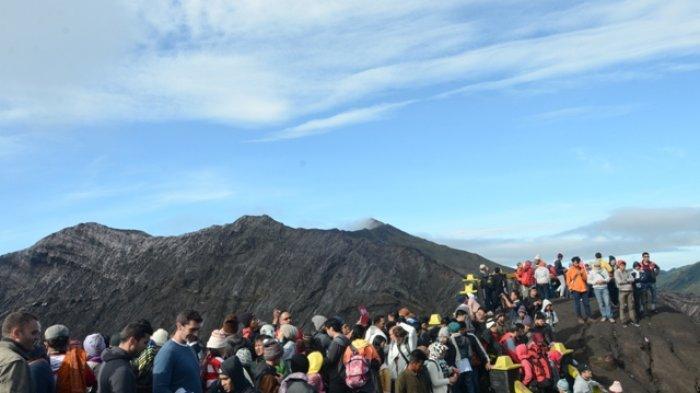 Kangen  Suasana Dinginnya Gunung Bromo Akhir Pekan Ini Wisata Gunung Bromo Dibuka Kembali