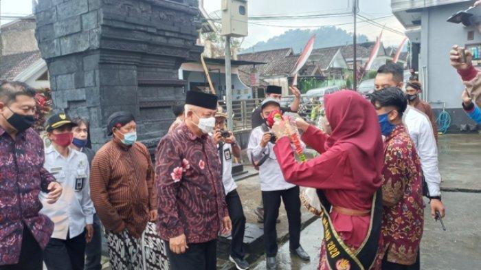 Candi Ganter di Desa Tulungrejo, Kecamatan Ngantang, Kabupaten Malang menjadi destinasi pariwisata baru.