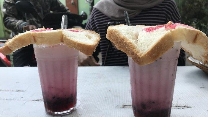 Gurih Manis dan Sedikit Asam, Sajian Es Santan 68 popular di Kota Malang, Coba Yuuk