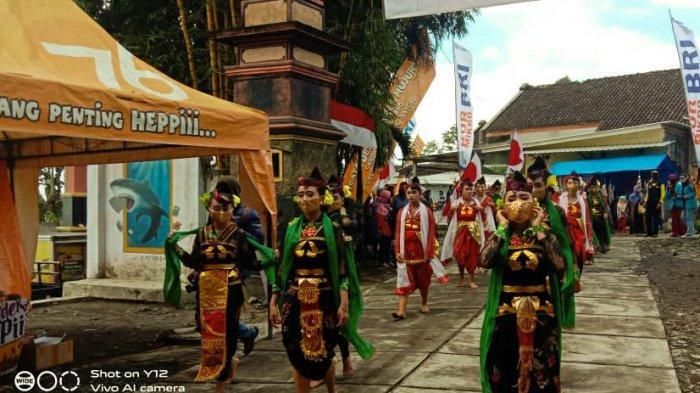 Ritual Budaya Gerebek Suro Di Pokdarwis Desa Sumbermujur Tetap Digelar Dengan Pembatasan