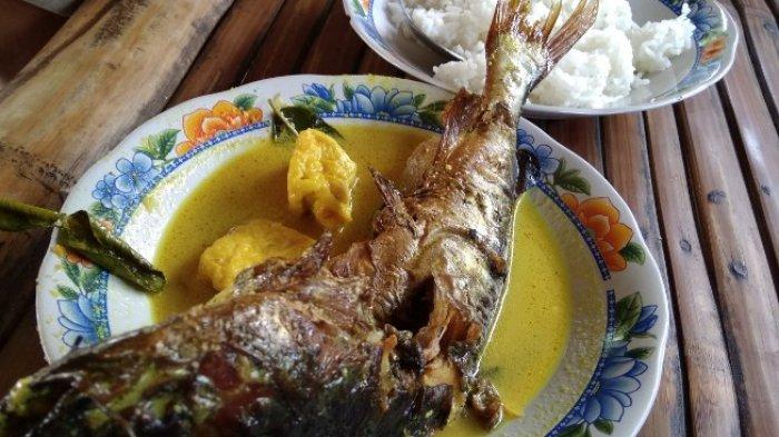Ikan Keting Asap Masak Kuning, Dominasi Rasa Pedas dan Nasi Hangat, Nikmat Sampai Penghabisan
