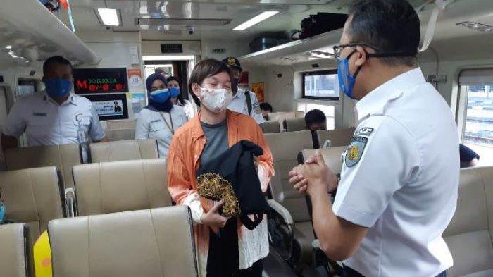 Ulang Tahun PT KAI Daop 8 Surabaya Bagikan Ratusan Souvenir Dan Tiket Gratis