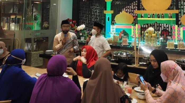 Makanan Serba Coklat di Kampung Ramadan Favehotel Sidoarjo