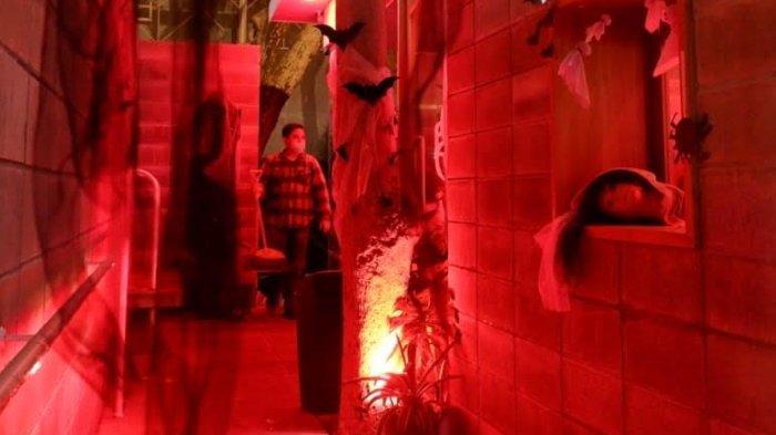 Ngopi Malam Jumat dengan Suasana Horor Ala Kedai Jokopi Surabaya
