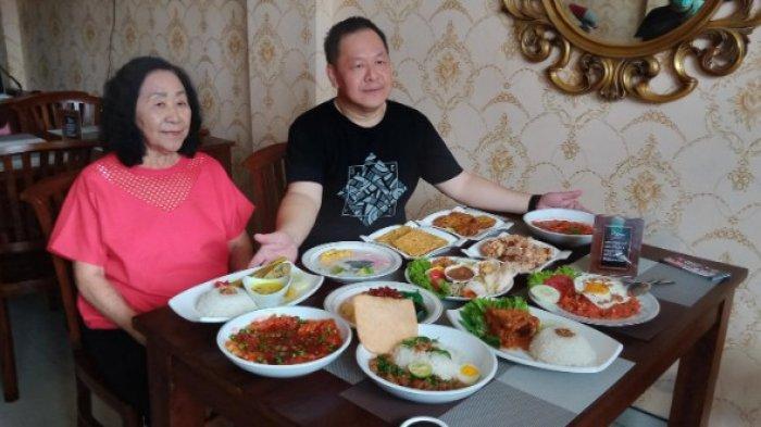 Kedai Ayam Bumbu Mak Mami Padukan Masakan Jawa China Resep Warisan Nenek