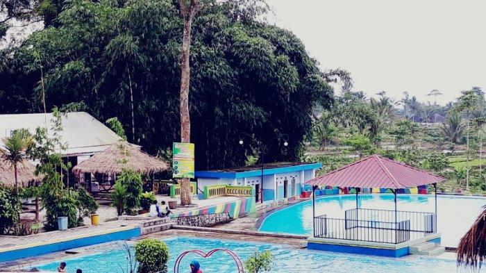 kolam-renang-hutan-bambu-lumajang.jpg