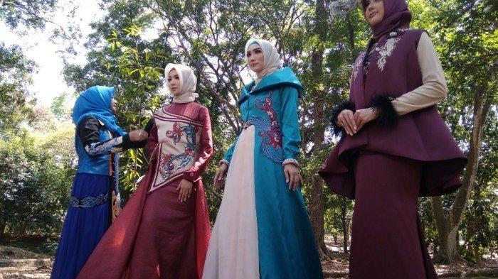 Jelang Lebaran  Pesanan Busana Muslim Desainer Lia Afif Tetap Banyak