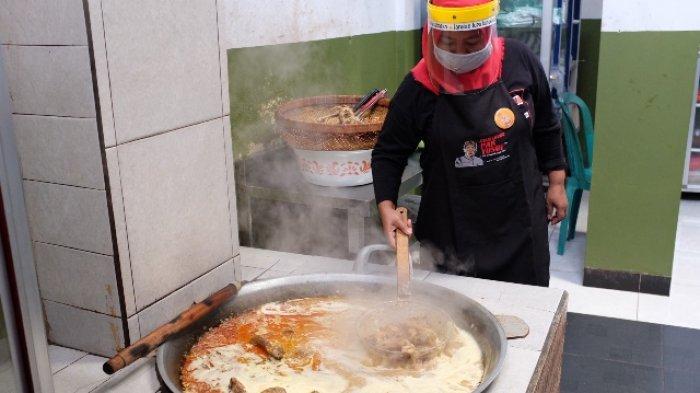 Ayam Lodho Pak Yusuf Trenggalek Terapkan Standar Restoran New Normal
