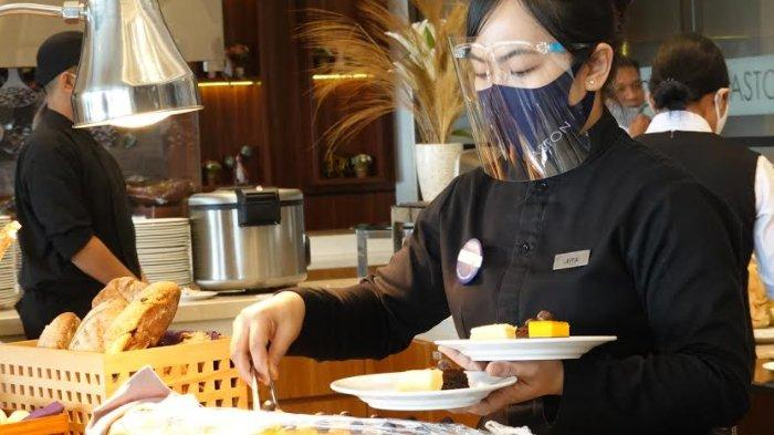 Dengan Menunjukkan Bekas Tinta di Jari, Warga Gresik Bisa Dapat Promo Makan Siang di Aston Inn