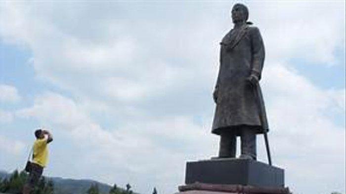 Monumen Jenderal Sudirman di Pacitan.
