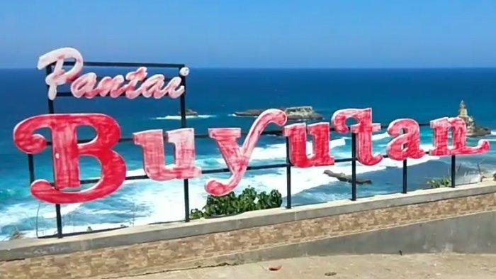 Pantai Buyutan di kabupaten Pacitan