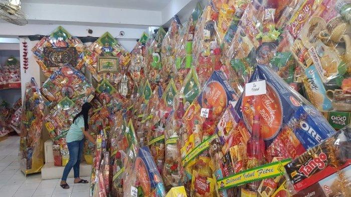 Penjual Parcel Di Kawasan Ondomohen Sepi Pembeli Anjlok  Hingga 75 Persen, Tawarkan Via Online