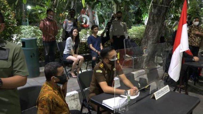 Plesir Ke Surabaya Wajib Bermasker Tim Pemburu Pelanggar Protokol Kesehatan Siap Beri Sangsi