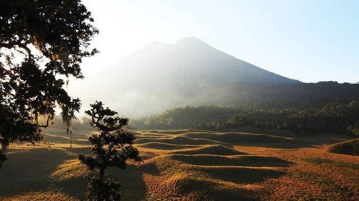 Potensi Cuaca Buruk, Taman Nasional Gunung Rinjani Kembali Ditutup Sampai 31 Maret 2020