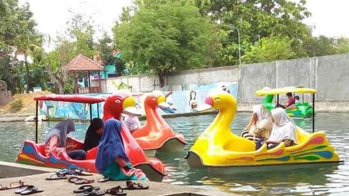 Menikmati Segarnya Air di Sendang Tirta Arum Bojonegoro