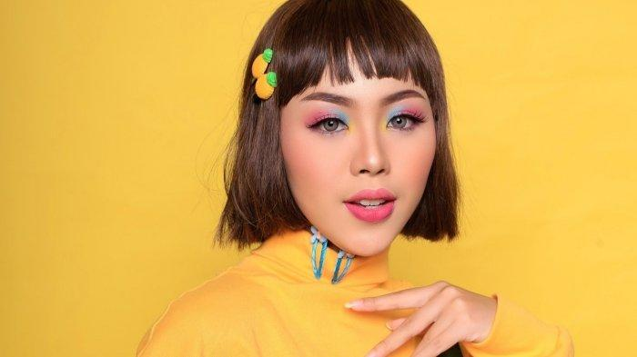 Inspirasi Make Up Fun and Fresh, Anti Boring lewat Tabrak Warna