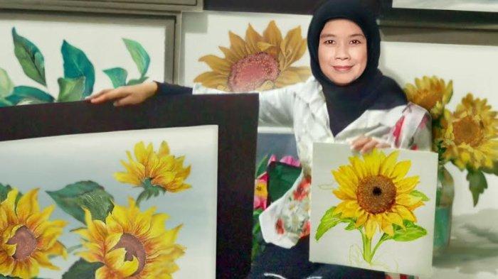 Seniman Aimee Tri Tebarkan Semangat Positif Lewat Lukisan Seri Bunga Matahari