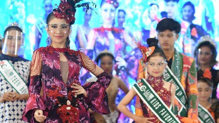 Pemilihan Putera Puteri Pariwisata Jatim, Peserta Peragakan Batik Khas Daerah Masing-masing