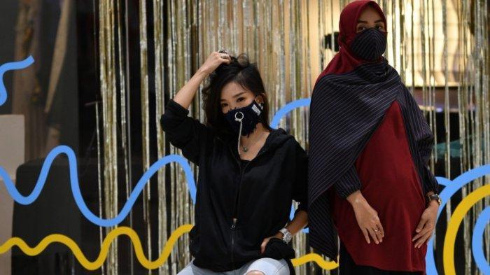 Terinspirasi Tenaga Medis, Desainer Alben Ayub Rancang APD Fashion dengan Model Santai