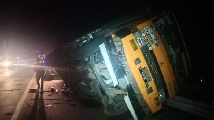 Bantu Teman Ganti Ban, Tiga Sopir Tewas Tertimpa Truk di Tol Purbaleunyi akibat Dongkrak Lepas